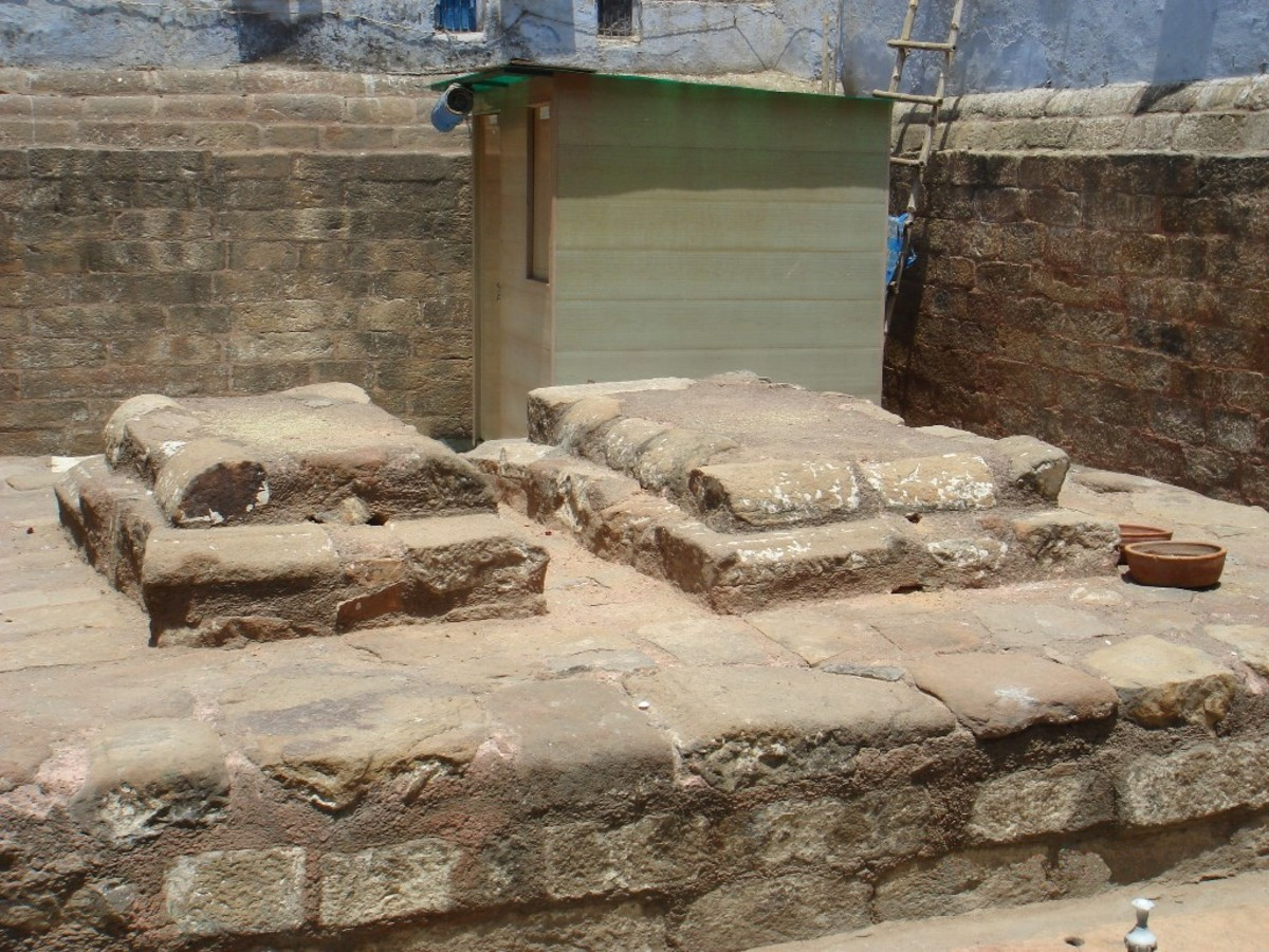 Razia's actual tomb is still shrouded in mystery as there are at least three places in India where her tomb is claimed to have been built.