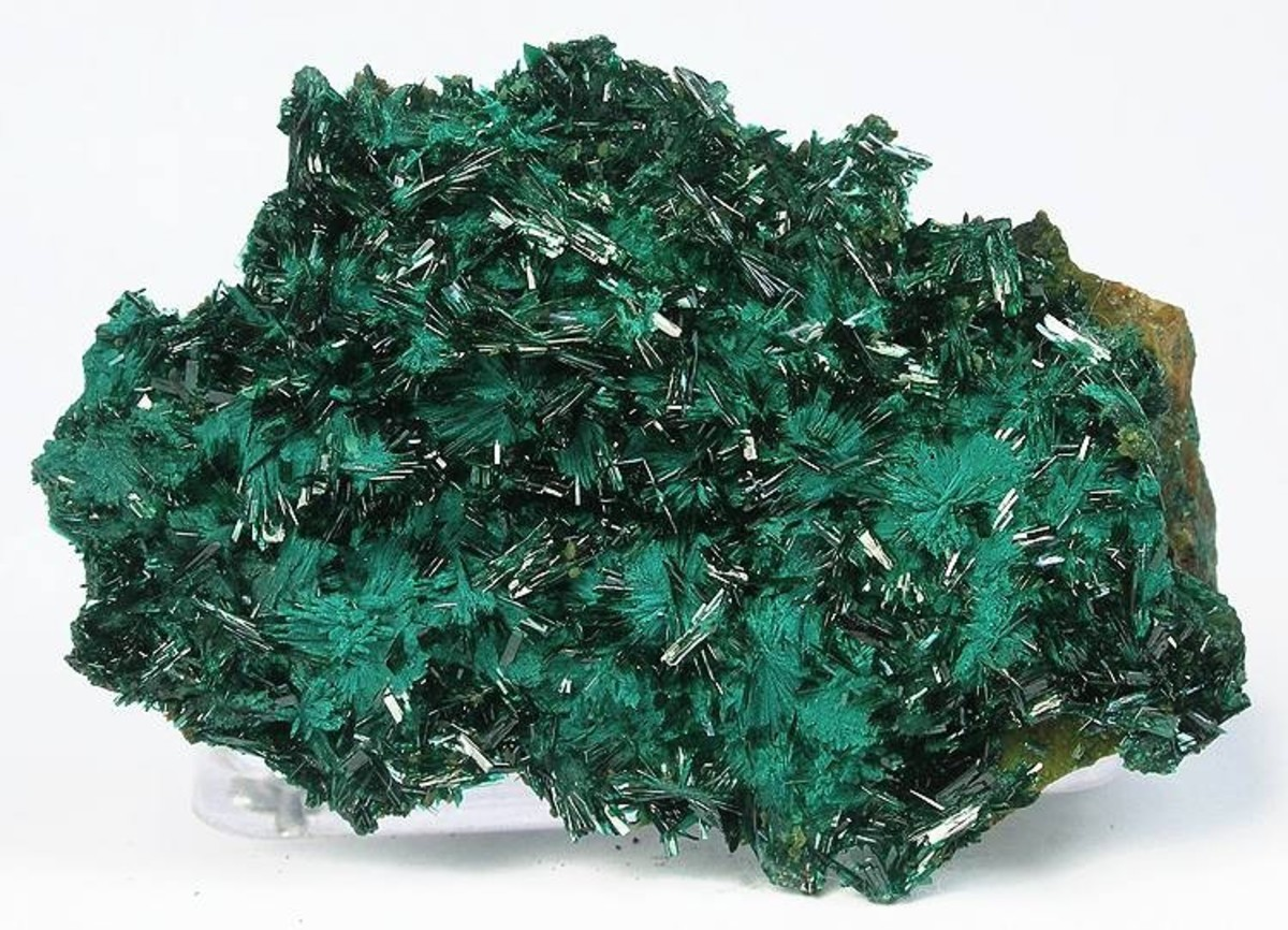 The beautiful, deep green color of Atacamite matches up with its powerful ability to enhance your visual perception to the world around you.