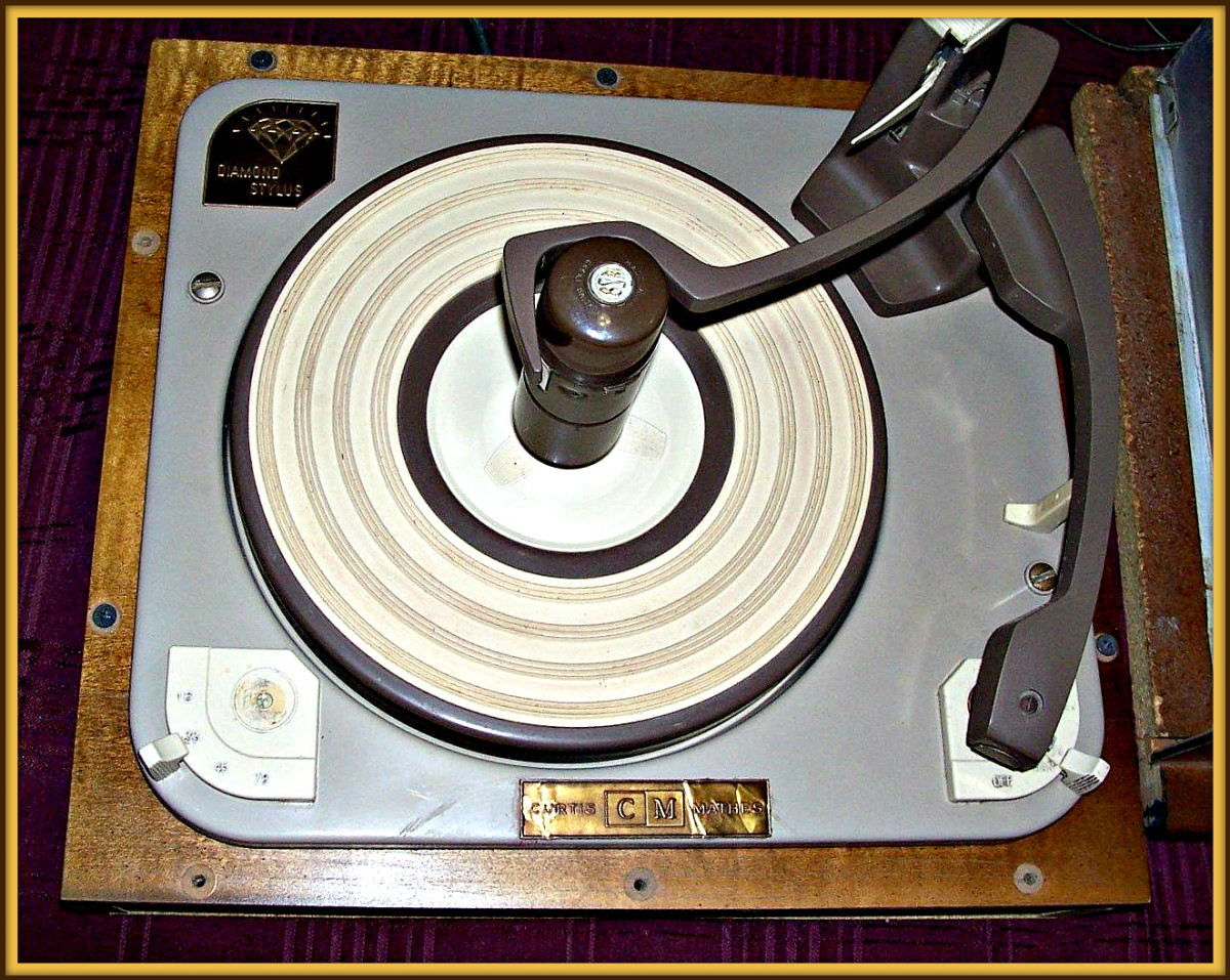 This Curtis Mathes Turntable came out of Provincial console made in Texas in 1960. The turntable was made in Austin Texas before the great plant fire.