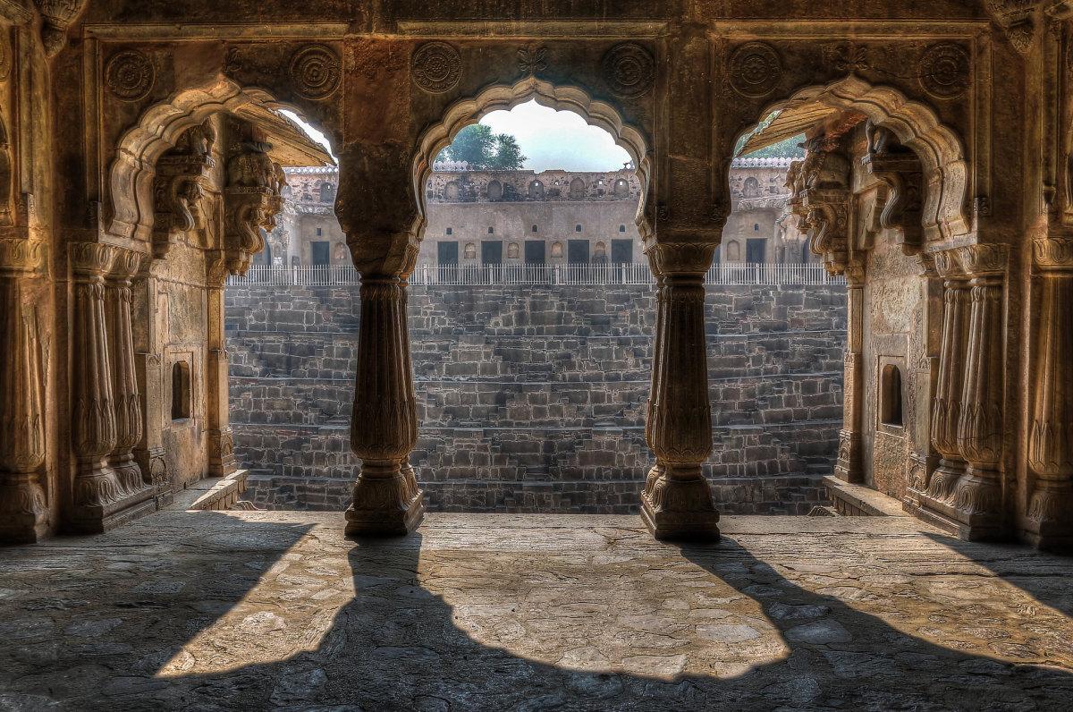 chand-baori-rajasthan-india