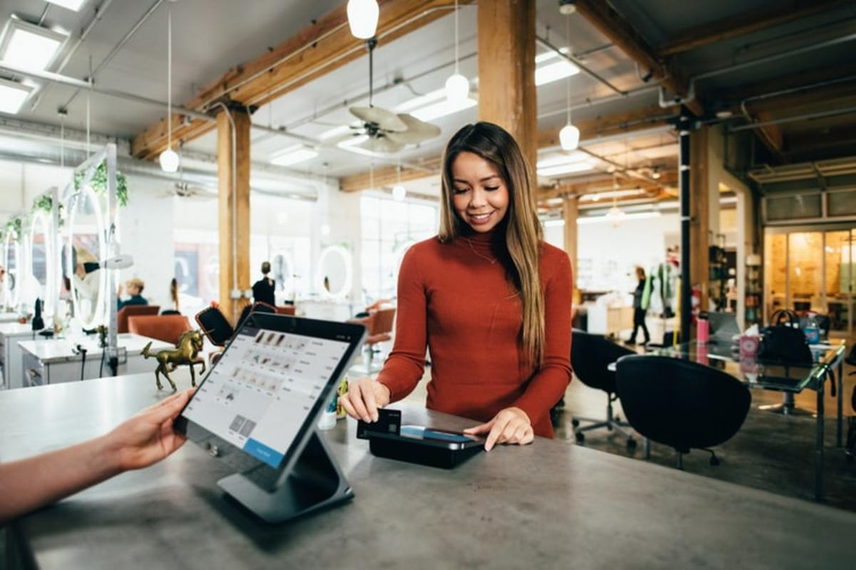 how-iot-could-pave-the-road-to-recovery-for-the-retail-industry