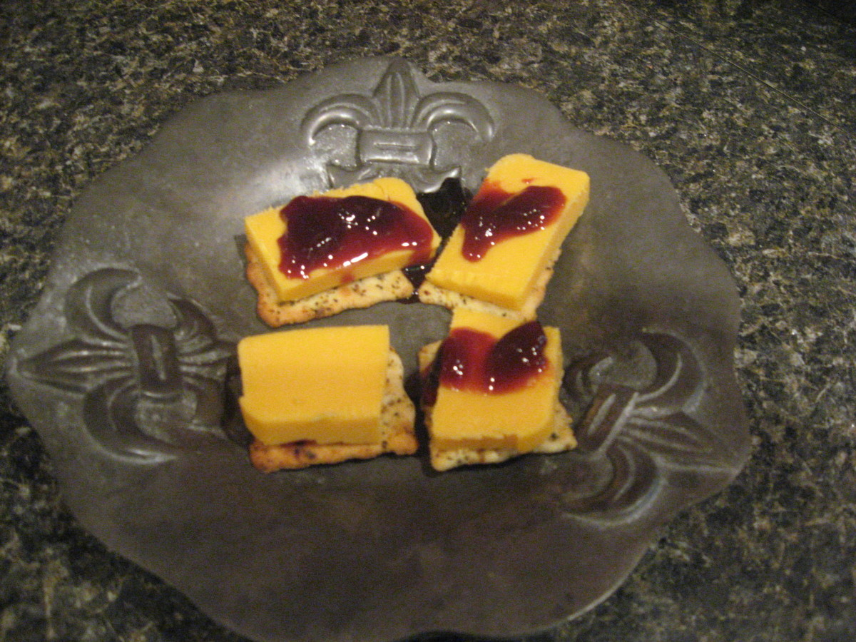 Low Carb Crackers, Cheese, and Zero Calorie Fruit Spread