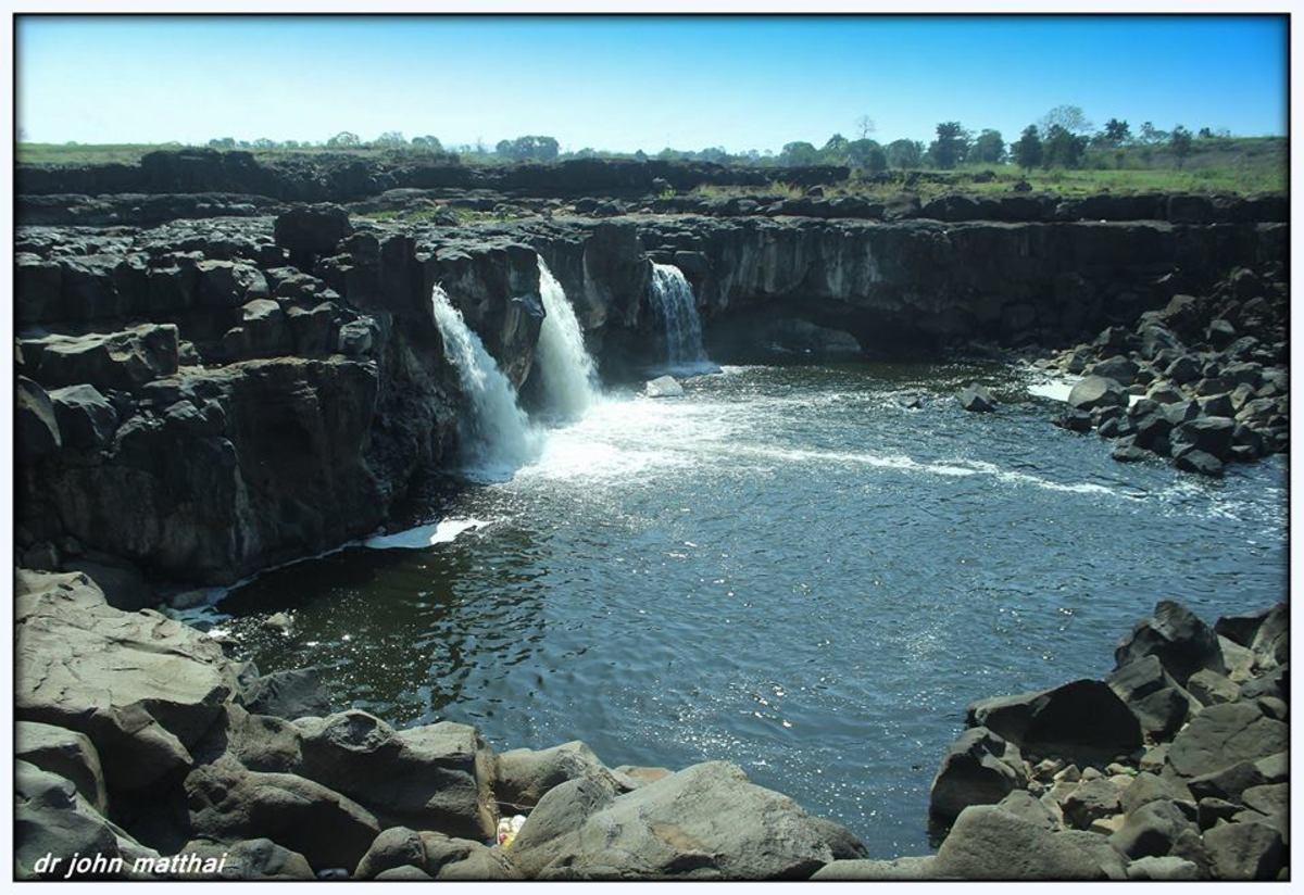 Falls at Bhabhada