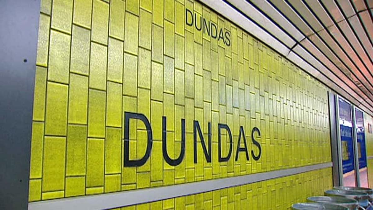 Dundas subway station