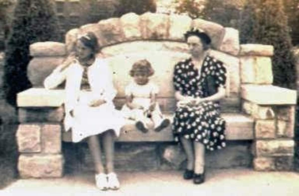 Bertha McGhee with nieces Gail and Carol McGhee.