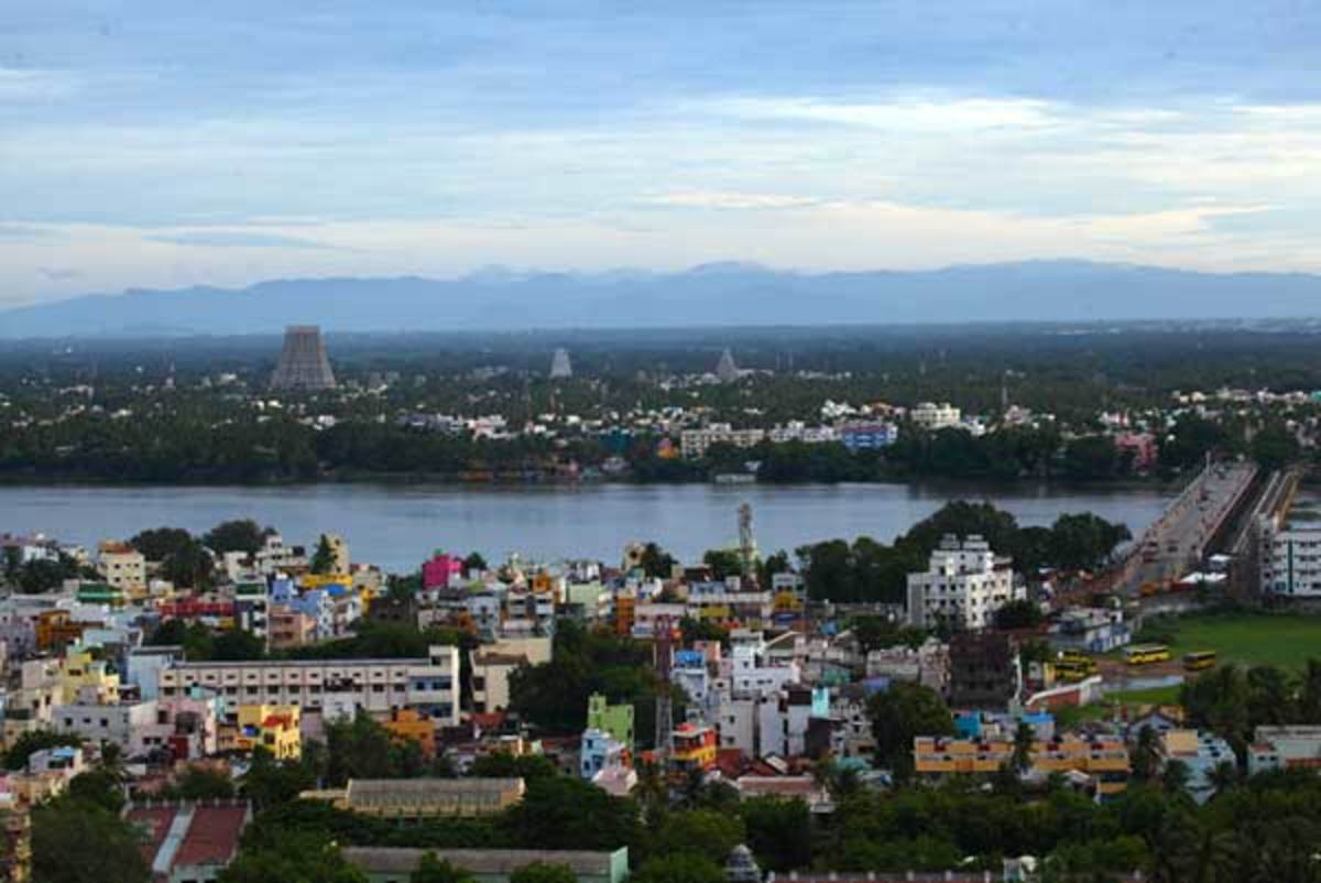 Aerial view of Srirangam Temple and Kaveri River