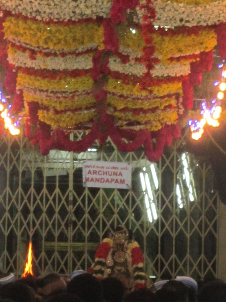 The well decorated corridor of the temple during Vaikunda Ekadasi.