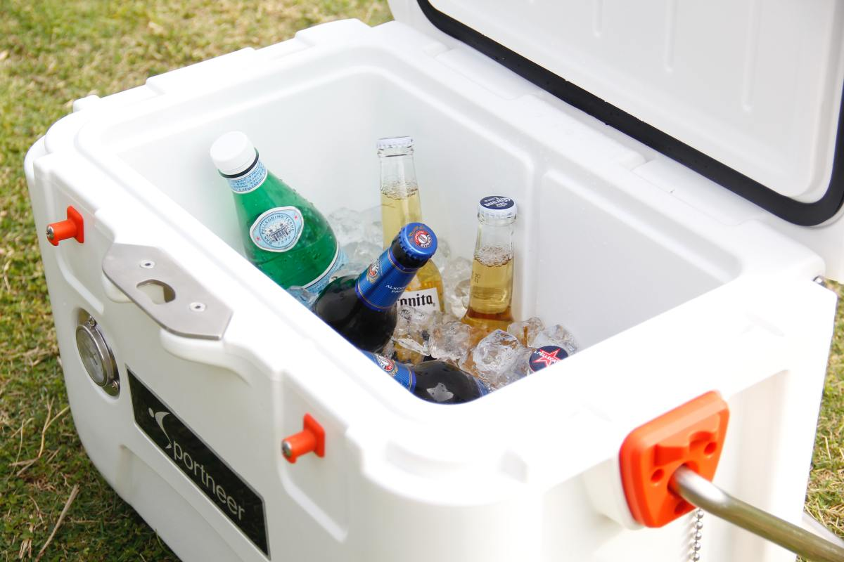 Have lots of coolers with ice for the drinks.