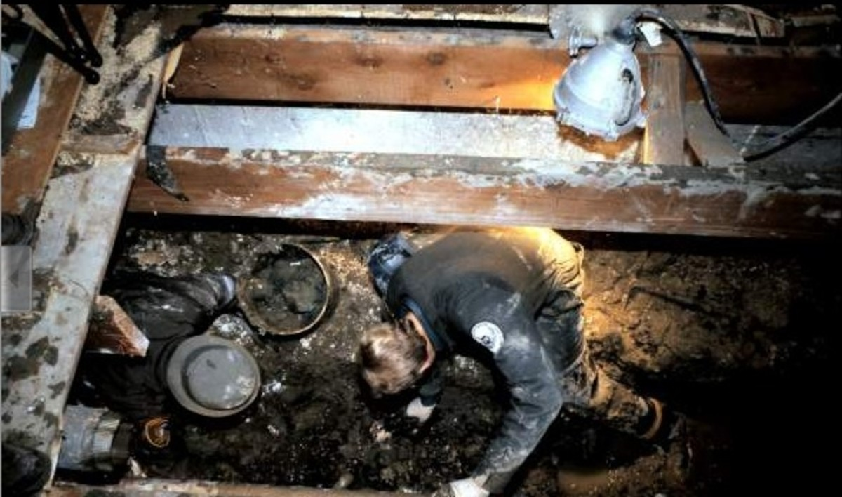 The excavation of Gacy's house