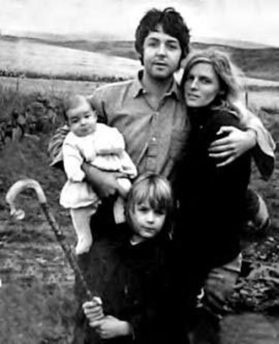 Paul and Linda McCartney with kids Heather and Mary.