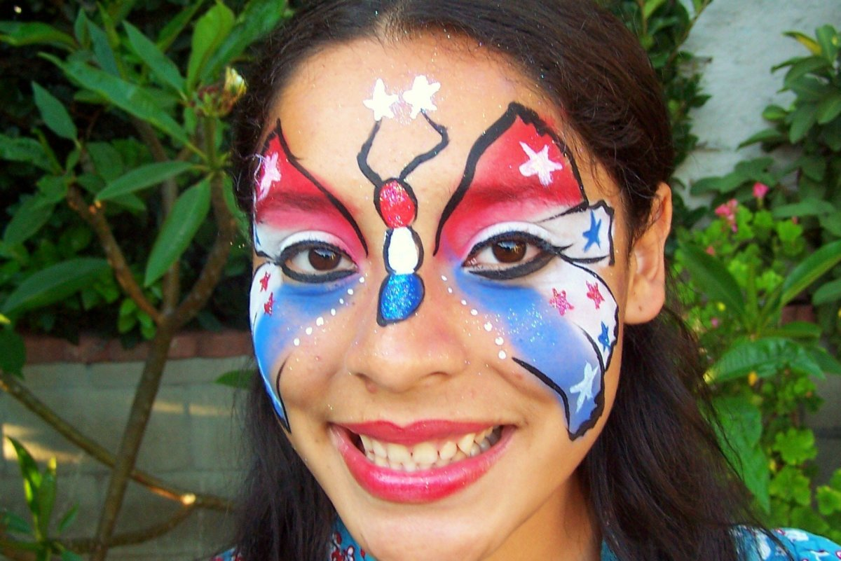 Patriotic Face Painting for Americans: Designs, Tips and Tutorials