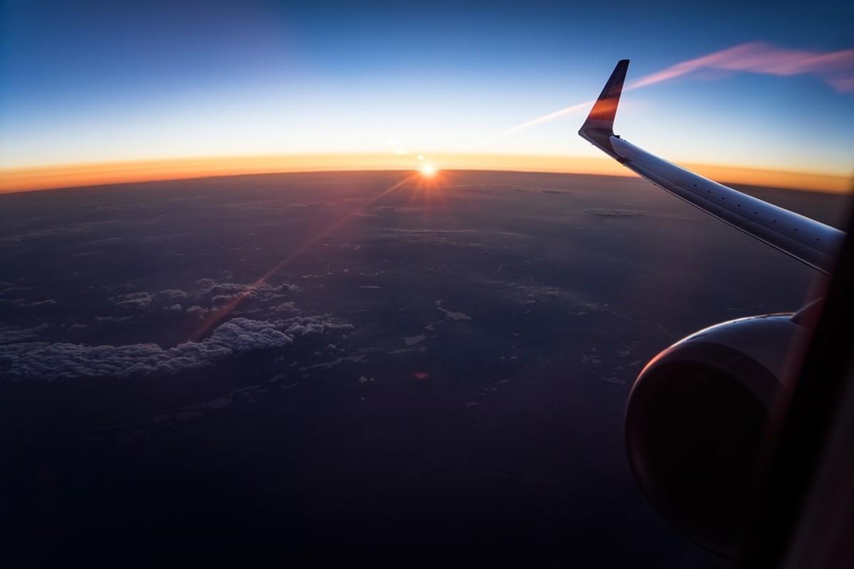 flight-travel-to-bengaluru-from-new-delhi