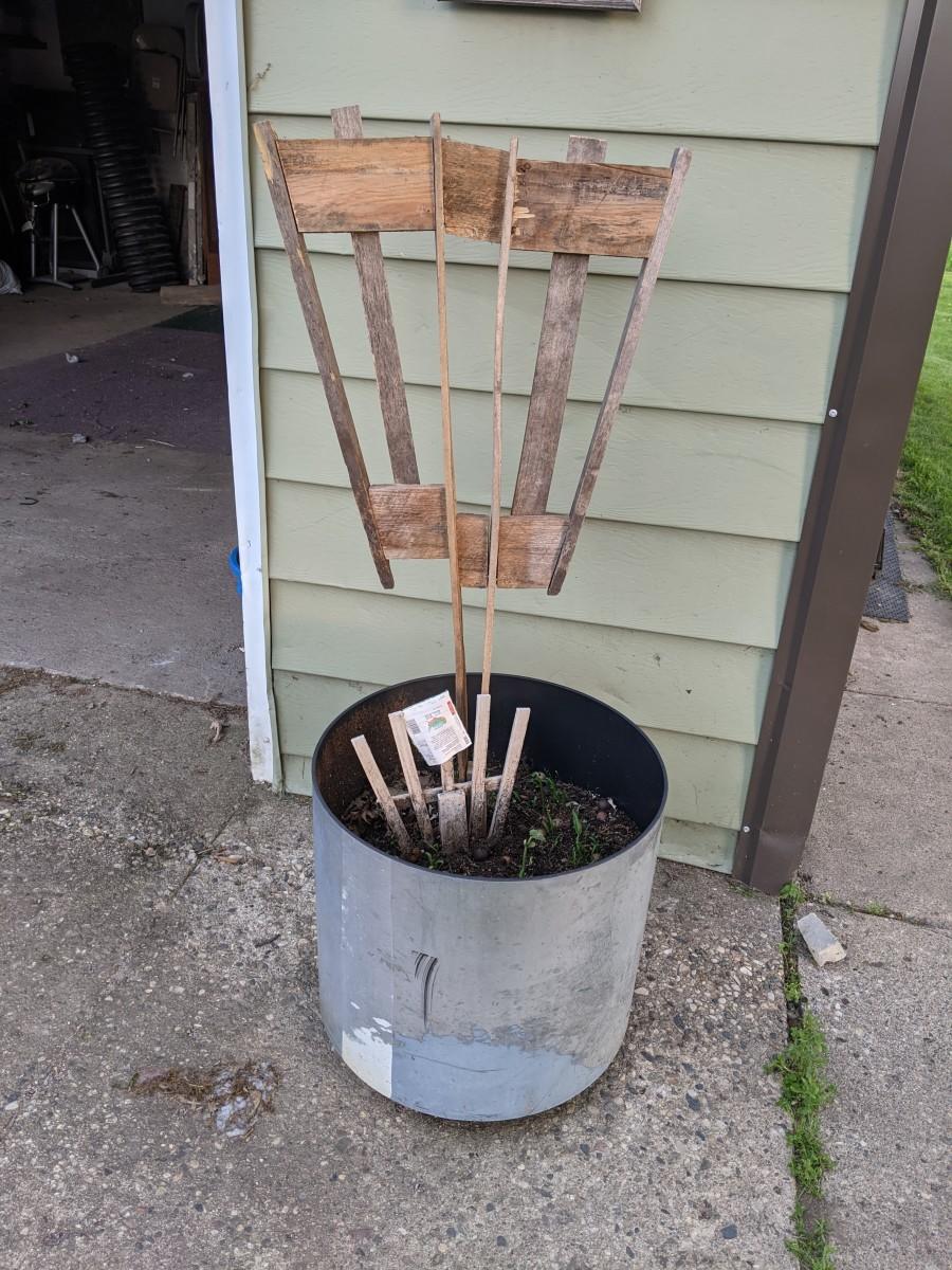 Poke down in center of pot