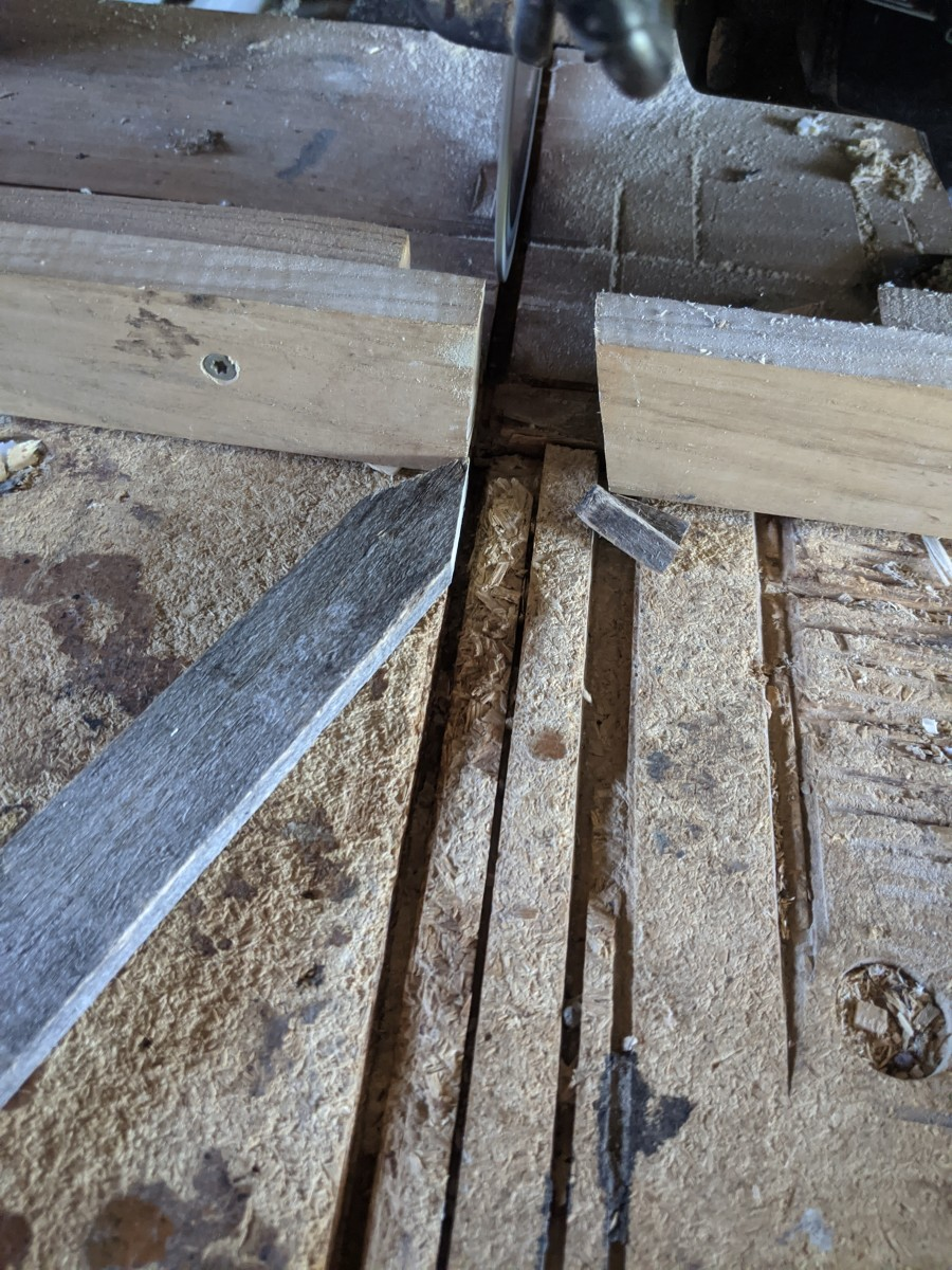 Cutting angles on digging stick