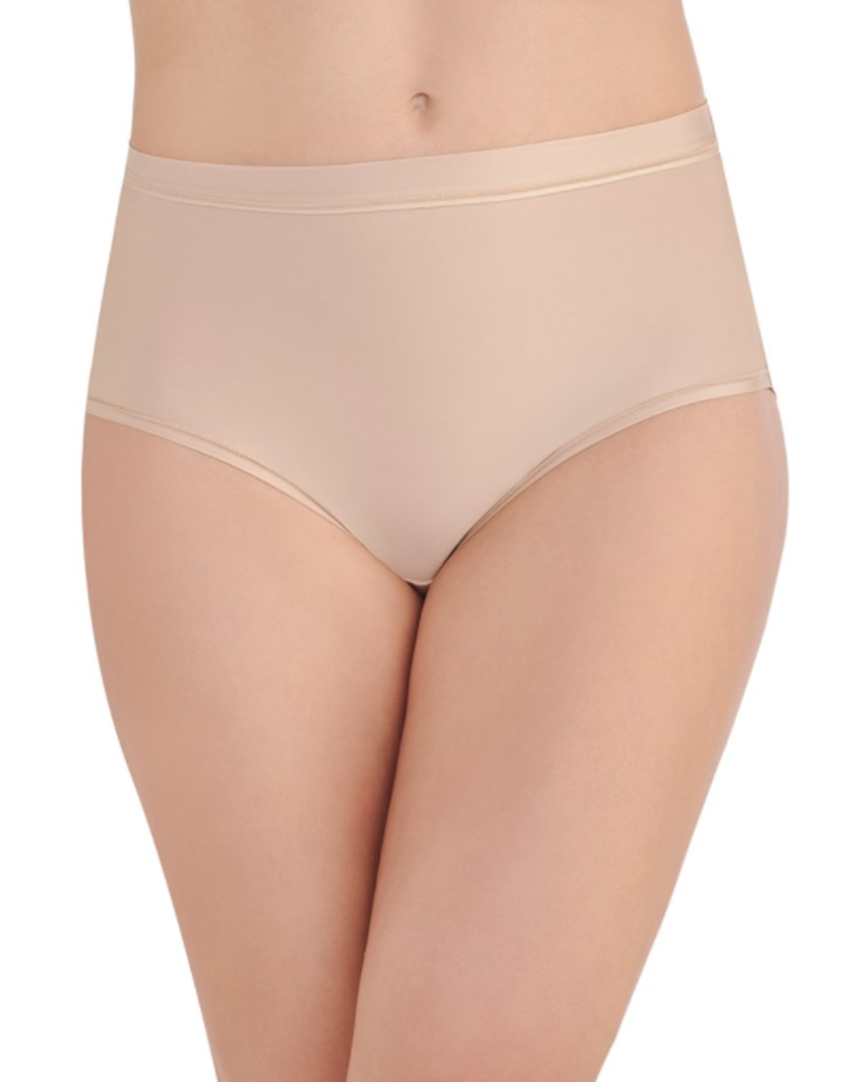 Hi-Cut briefs (viewed from the front).