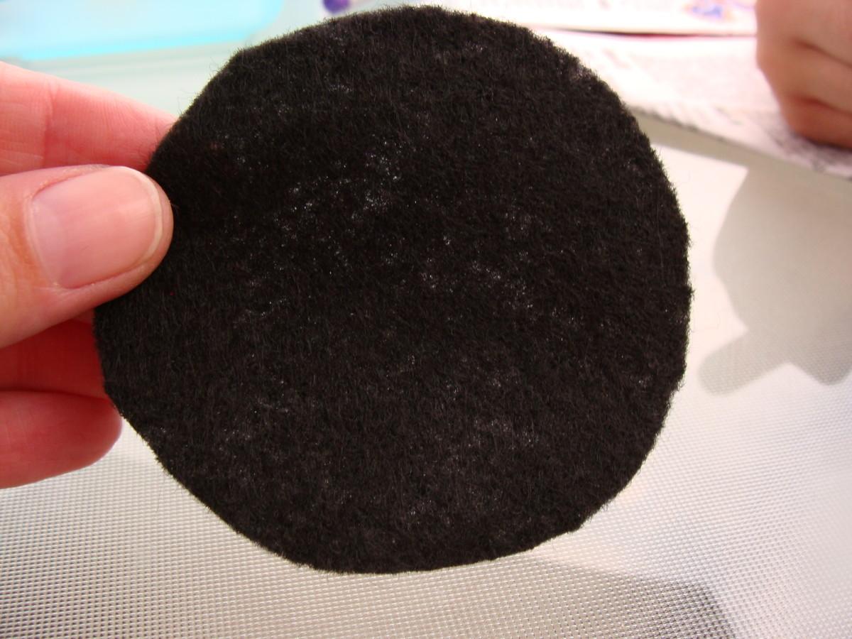 Black circle felt