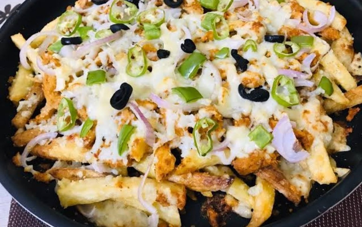 Learn how to make restaurant-style pizza fries at home!