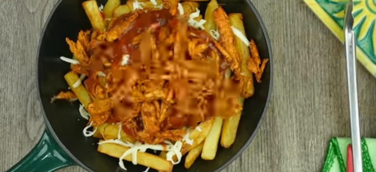 Add the shredded chicken.