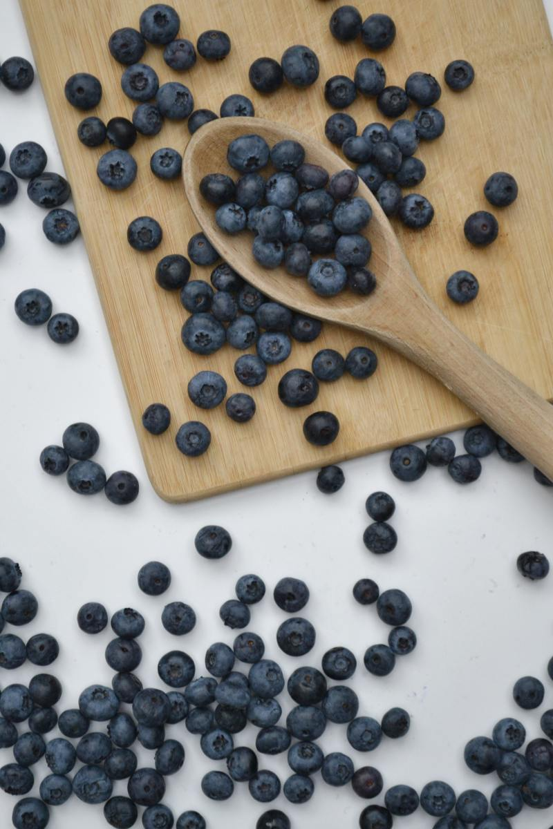 Did you know? One cup of blueberries contains 80 calories, 3.6 grams of fiber, and 25 percent of the recommended daily amount of vitamin C.