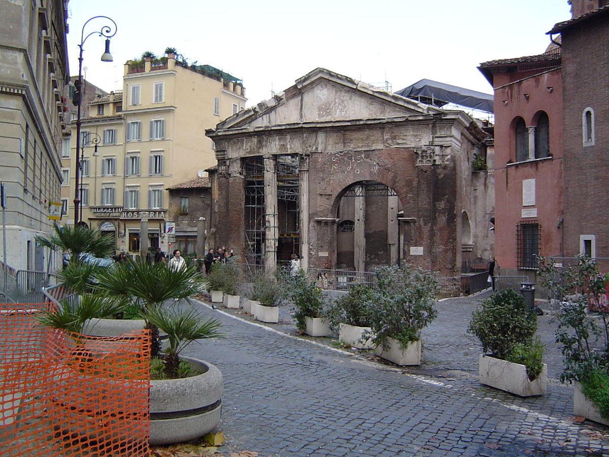 Il Portico di Ottavia. An ancient medieval fish market you can walk through.