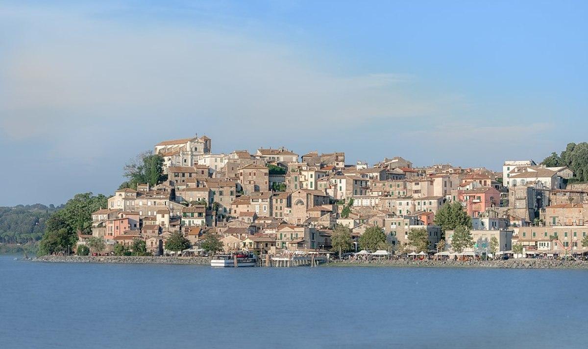 The town of Anguillara