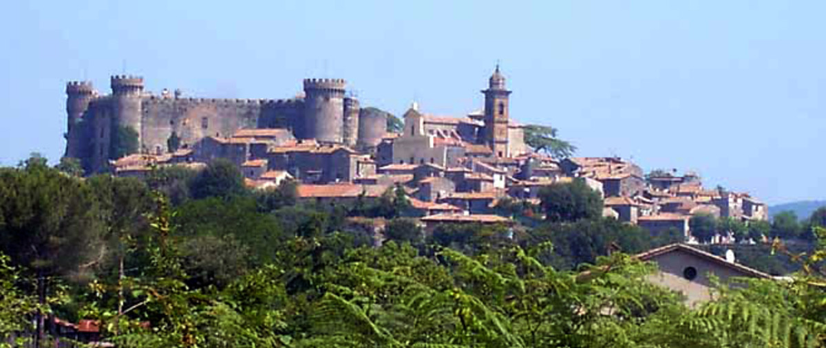 The wonderful town of Bracciano. A short hour-long trip with the FL 3!