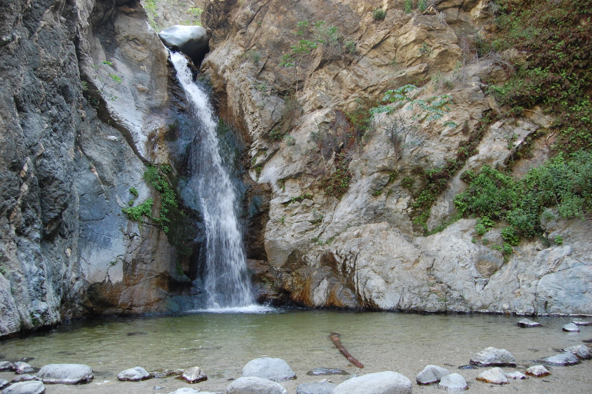 Eaton Canyon Falls (I wanted to set the camera on self timer and climb to the top and stand on the rock but some of the hikers looked like they needed a new camera so you'll just have to take my word that I climbed it.)