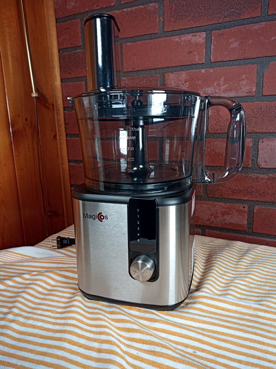 The Magiccos FP415 food processor