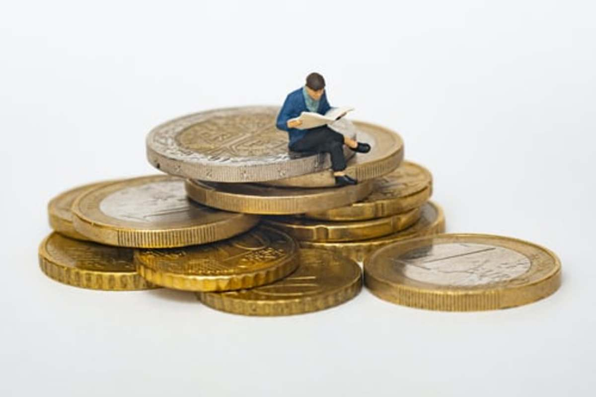 top-money-mistakes-people-make-in-their-youth