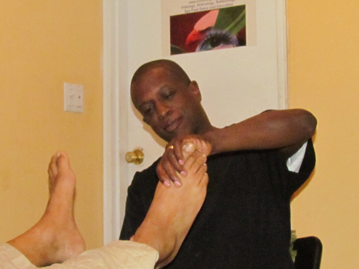 Robert Fulford III, is Wendy's husband who performs reflexology. He also uses a foot detox to possibly remove toxicity from the client after cancer treatments.