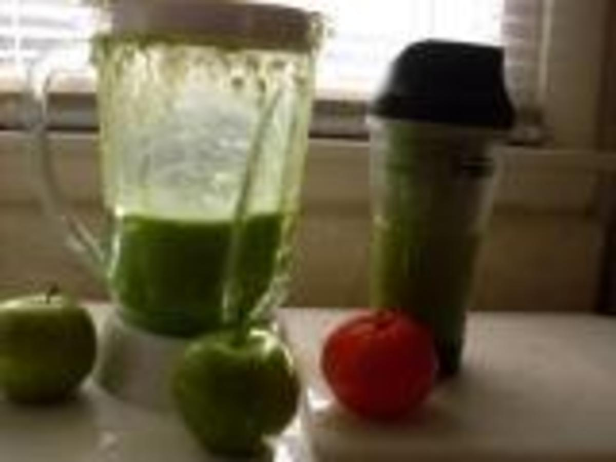 a-spinach-smoothie--trust-that-it-is-delicious