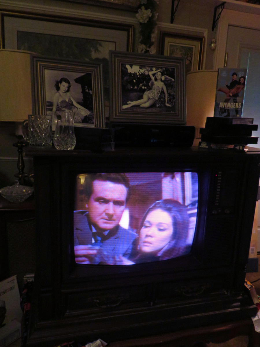 Playing on the1980 Curtis Mathes Model G550, The Avengers, Escape in Time. Curtis Mathes Chassis C81-7, Medium Pecan, made in Athens Texas. The VHS Episode first aired on January 28, 1967 · Directed by John Krish. With Patrick Macnee, Diana Rigg.