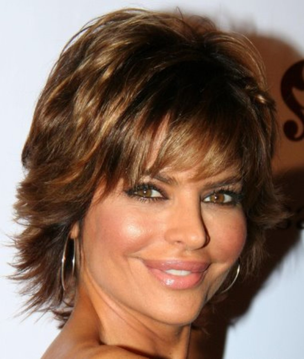 Lisa-Rinna Layered hairstyle