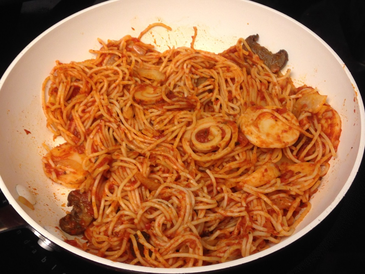 Vermicelli in Arrabiata sauce with hearts of palm and mushrooms