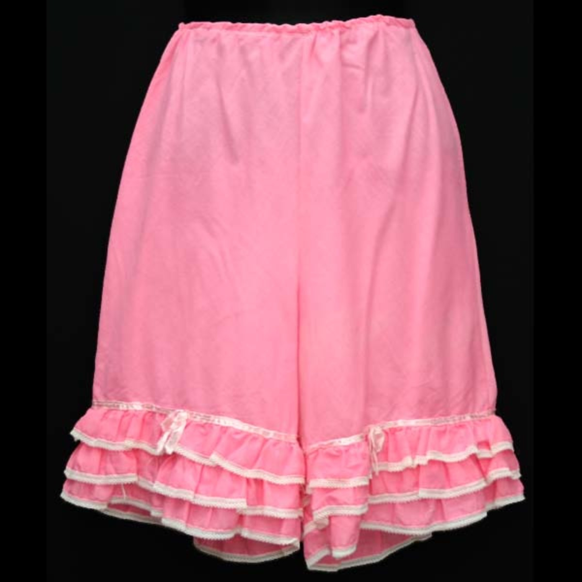 Pink Bloomers in cotton from the 1950s, price $26 from vintagetrends.com