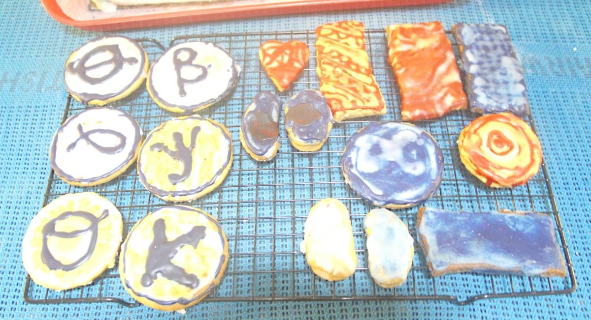 Scientific symbols and abstract decoration in Creamsoda flavored icing :)