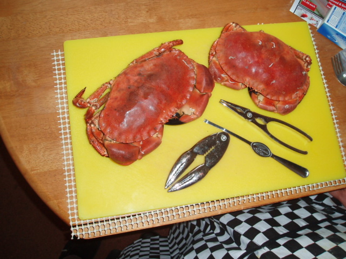 How to Prepare and Dress Fresh Crab, only the dead man's fingers (gills) cannot be eaten