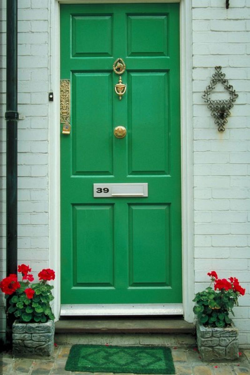 Keep your front door clean and clutter free when staging your home for sale.
