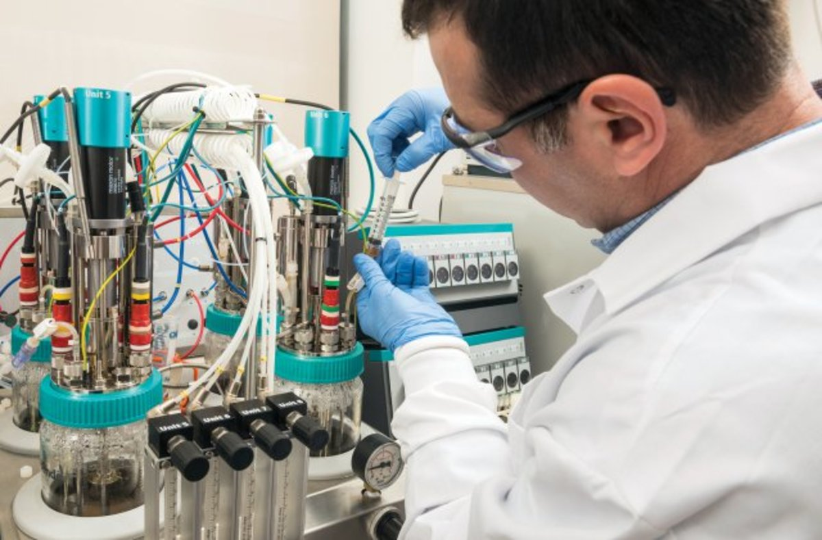 Jason Soares, a chemical engineer at the U.S. Army Natick Soldier Research, Development and Engineering Center (NSRDEC), is investigating biofermentation in gut bacteria.