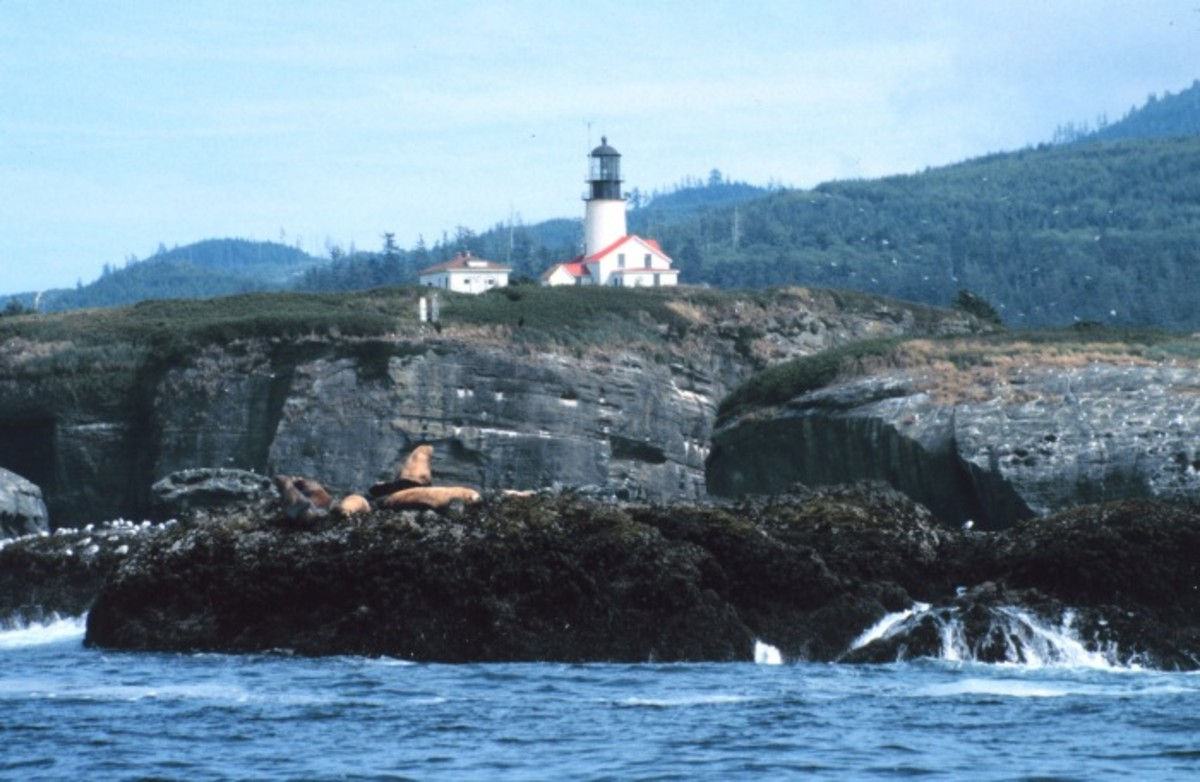 Tatoosh Island on the Makah Reservation: Cape Flattery Lighthouse.