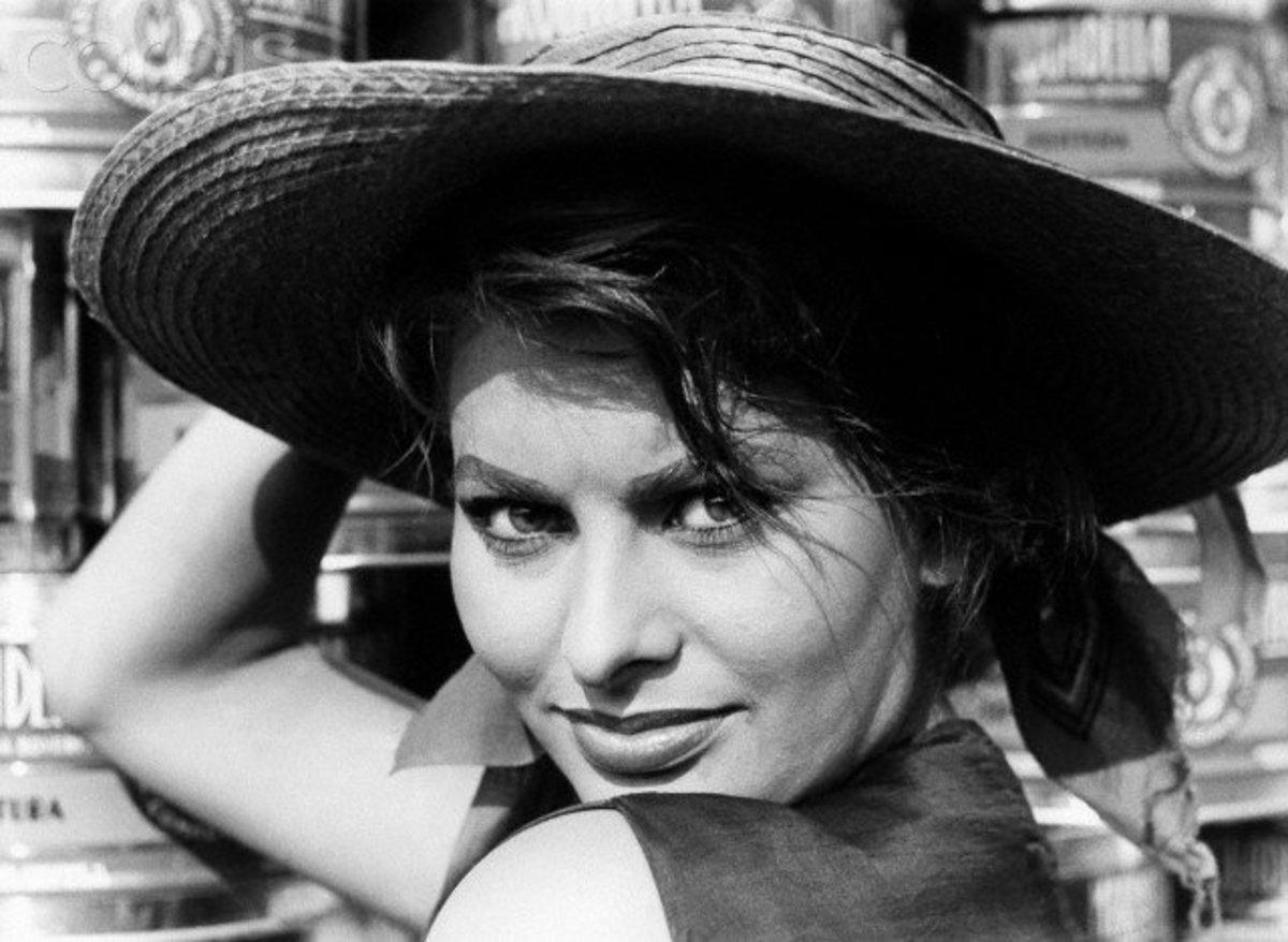 A younger Sophia Loren