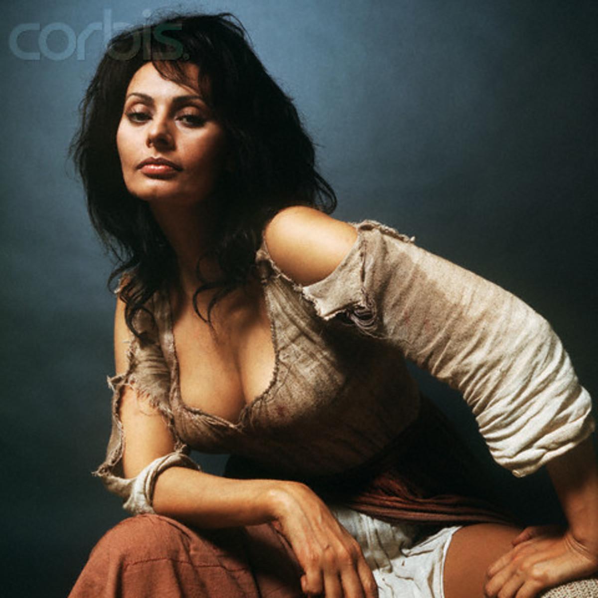 Sophia Loren poses for publicity shots