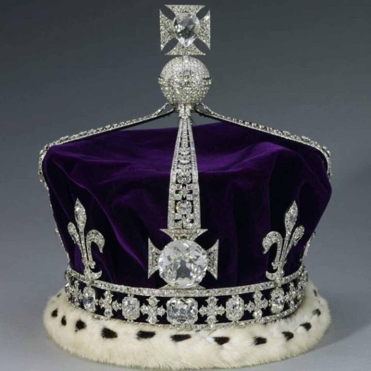 The Koh-i-Noor diamond on the front is one of 2,800 other diamonds on the Queen Mother's Crown.