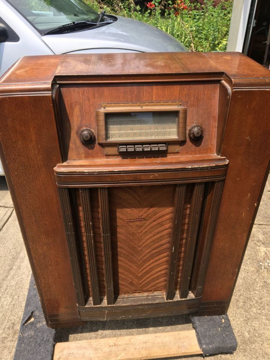 The 1941 Sears Silvertone radio as I purchased it.