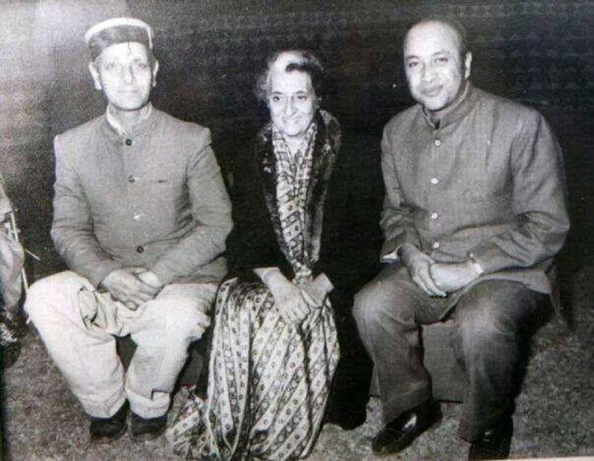 Indira Gandhi the then Prime Minister of India with Sat Mahajan and Virbhadra Singh