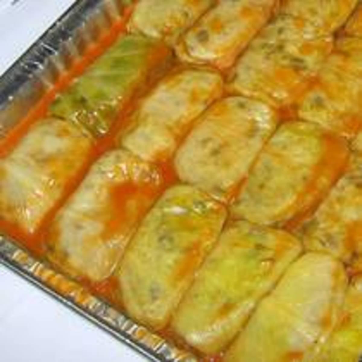 Vegetarian stuffed cabbage leaves