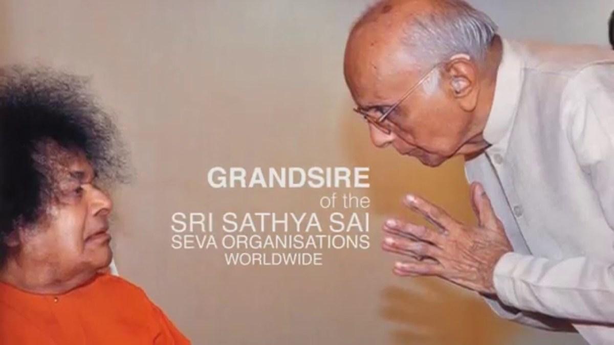 Sri Indulal Shah with Bhagawan