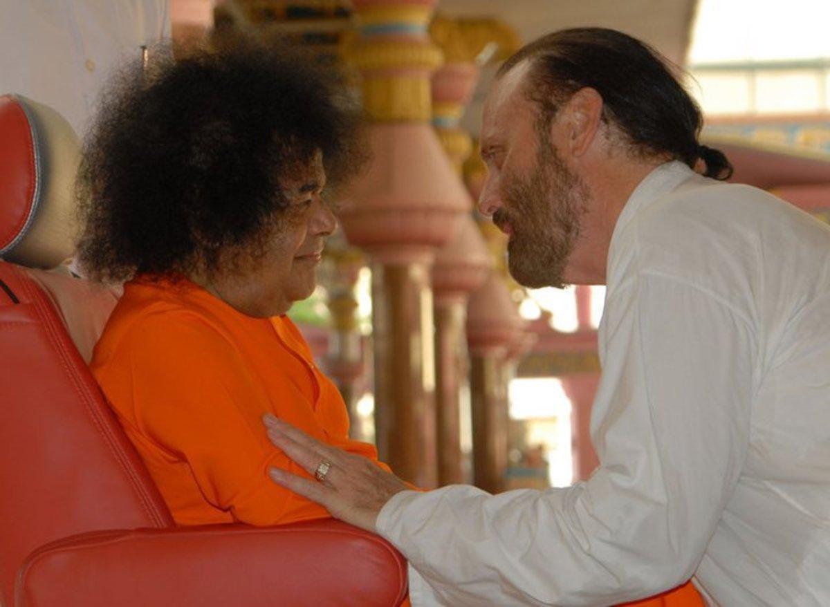 Sri Isaac Tigrett with Bhagawan