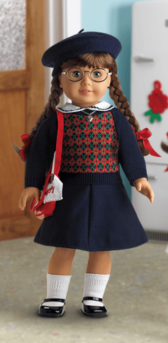 An original Molly Doll, wearing her Classic Meet Outfit and accessories