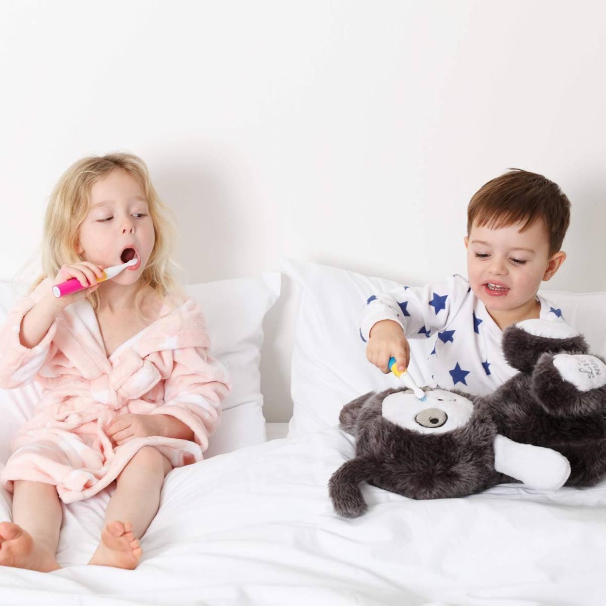 babies-children-how-to-make-tooth-brushing-fun